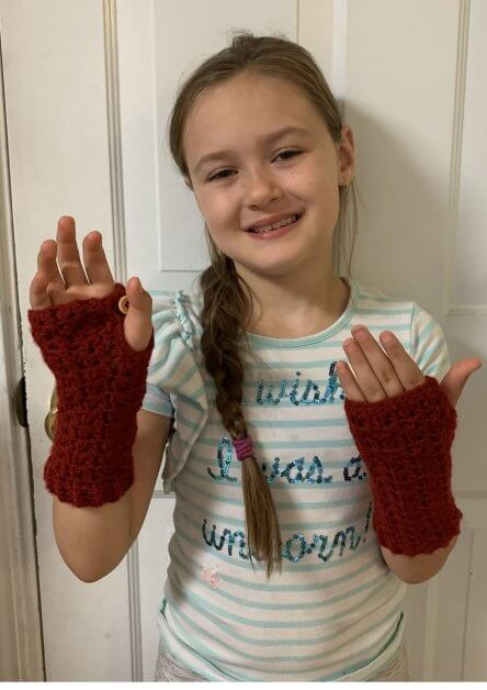 Easy crochet fingerless glove pattern in 3 different sizes to warm your wrist and fingers.