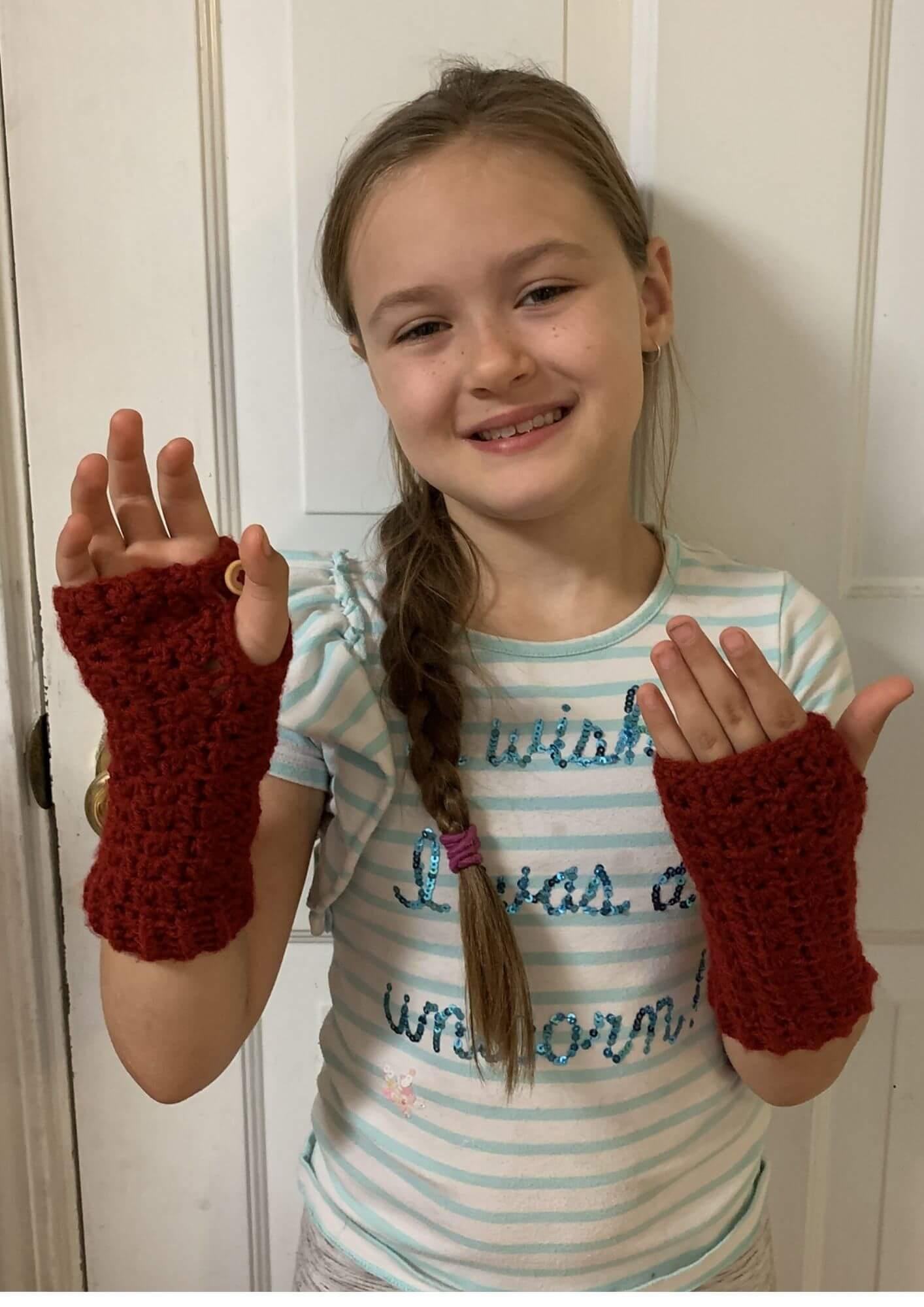 Easy crochet fingerless glove pattern.